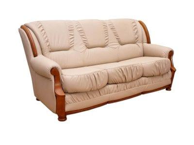 Klasyczna kremowa sofa skórzana