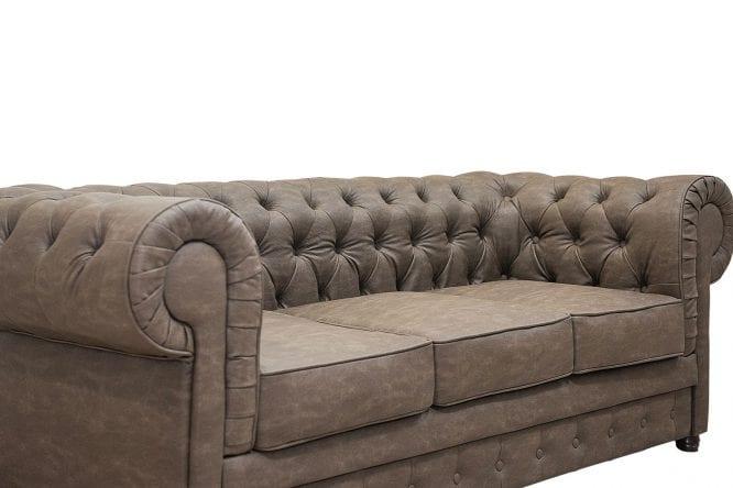Sofa typu Chesterfield